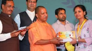CBSE National Toppers of Class X & XII Felicitated by Shri Yogi Adityanath