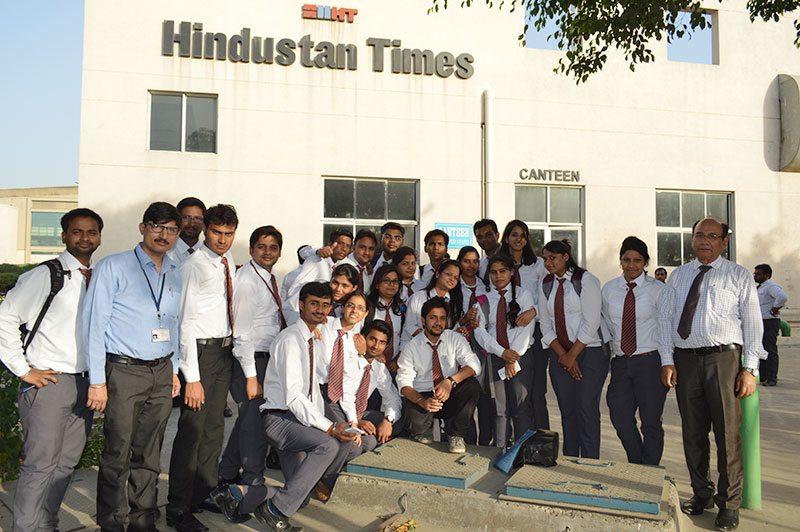 Industrial Visit by MBA Students Batch 2015-17 to Hindustan Times, Greater Noida