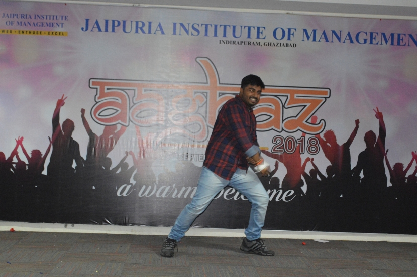 Fresher-Party-Celebrate-at-Jaipuria-Institute-of-Management-6